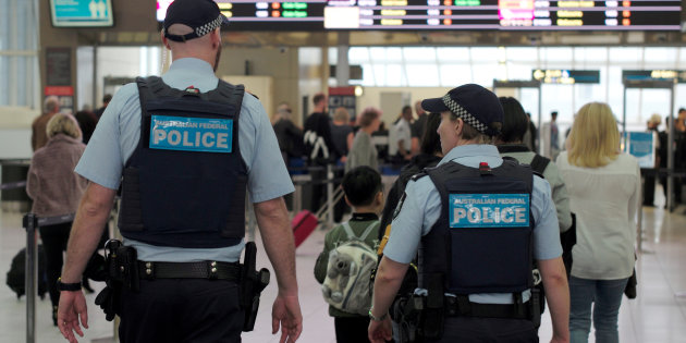 Government proposes random ID checks in airports