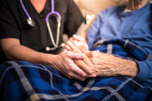 Overhaul of Australia's palliative care system could save millions, report says